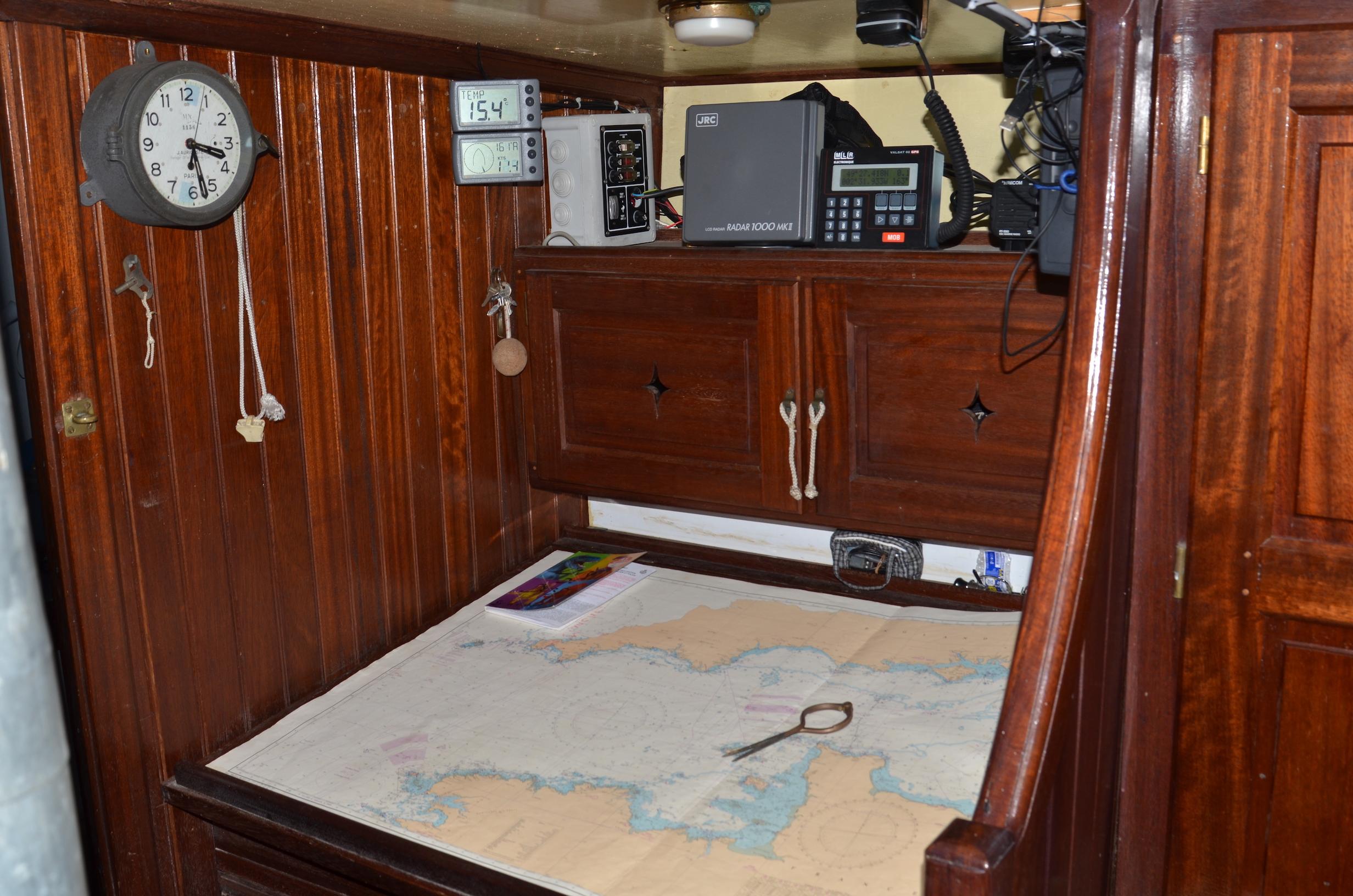 am nagement int rieur du voilier kanaga. Black Bedroom Furniture Sets. Home Design Ideas